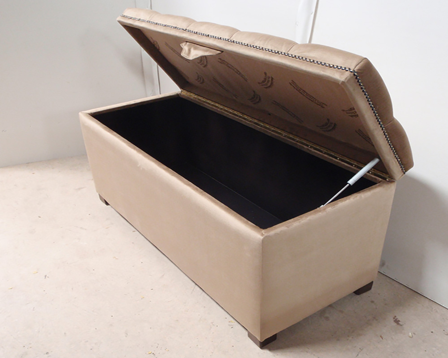 George blanket box